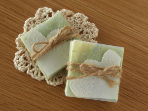 soap-present
